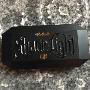 Kat Von D Makeup - Kat VonD mini Shade N Light palette